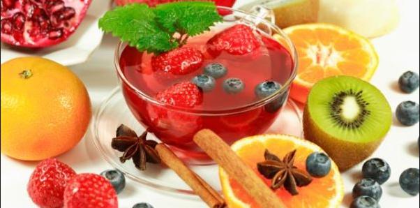 Пейте ягоды и фрукты, укрепляйте иммунитет!