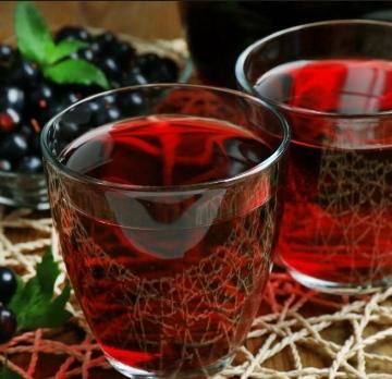 Лучшие рецепты: невероятное вино из черной смородины
