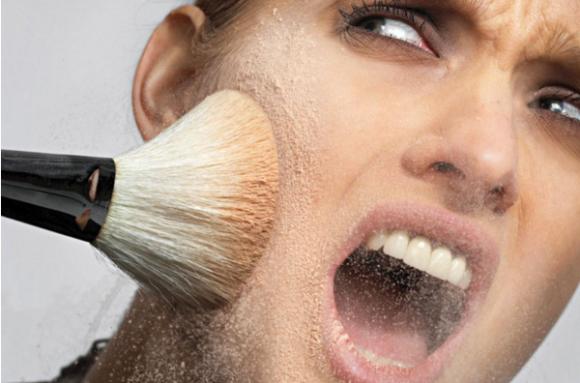 Эксперты молят: срочно избавьтесь от просроченной косметики